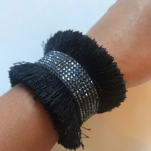 Jewelry - Fringe black sparkle bracelet